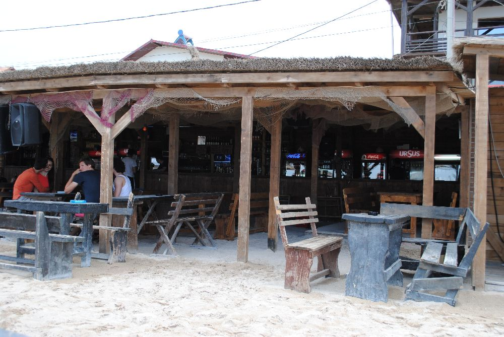 La Stuf Beach Bar
