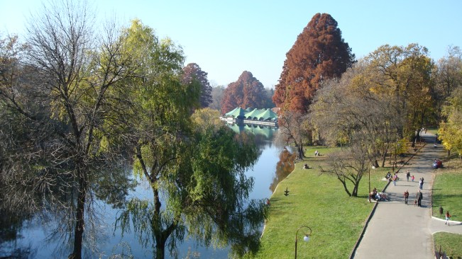 Romanescu Park in Craiova - view from the Suspended Bridge