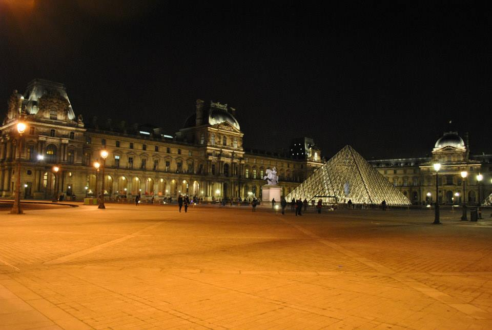 louvre and paris essay The louvre, for hundreds of years, it has been a part of french culture as a medieval fortress in the beginning, the palace for the king of france, and a.