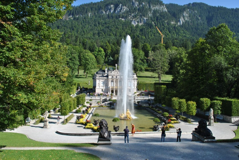 Linderhof Palace - 25m high fountain